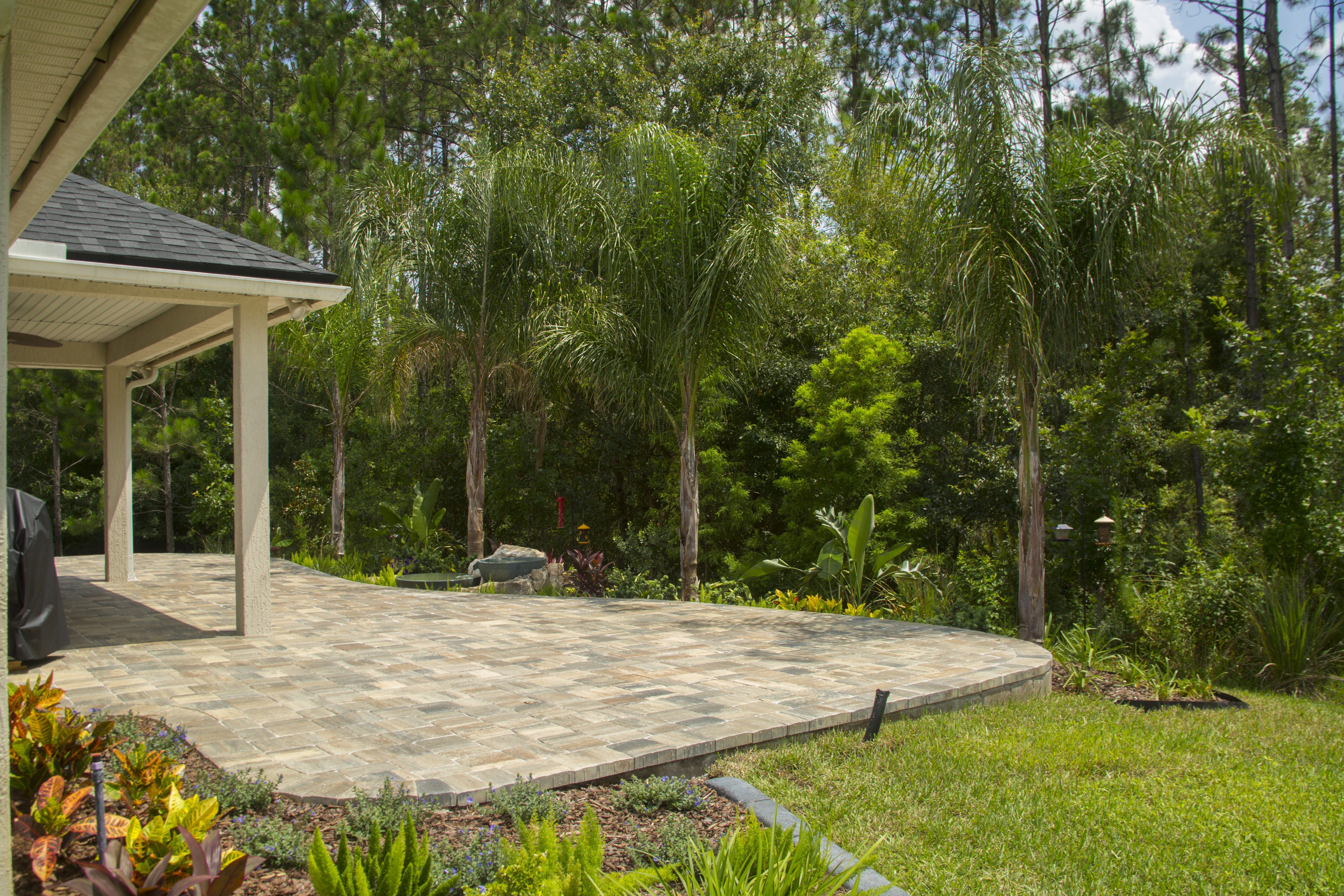Paver Patio & Water feature combo